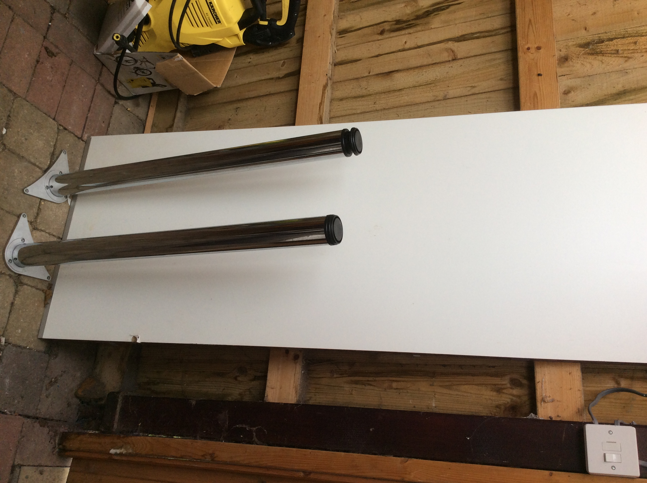 For sale: White Formica worktop