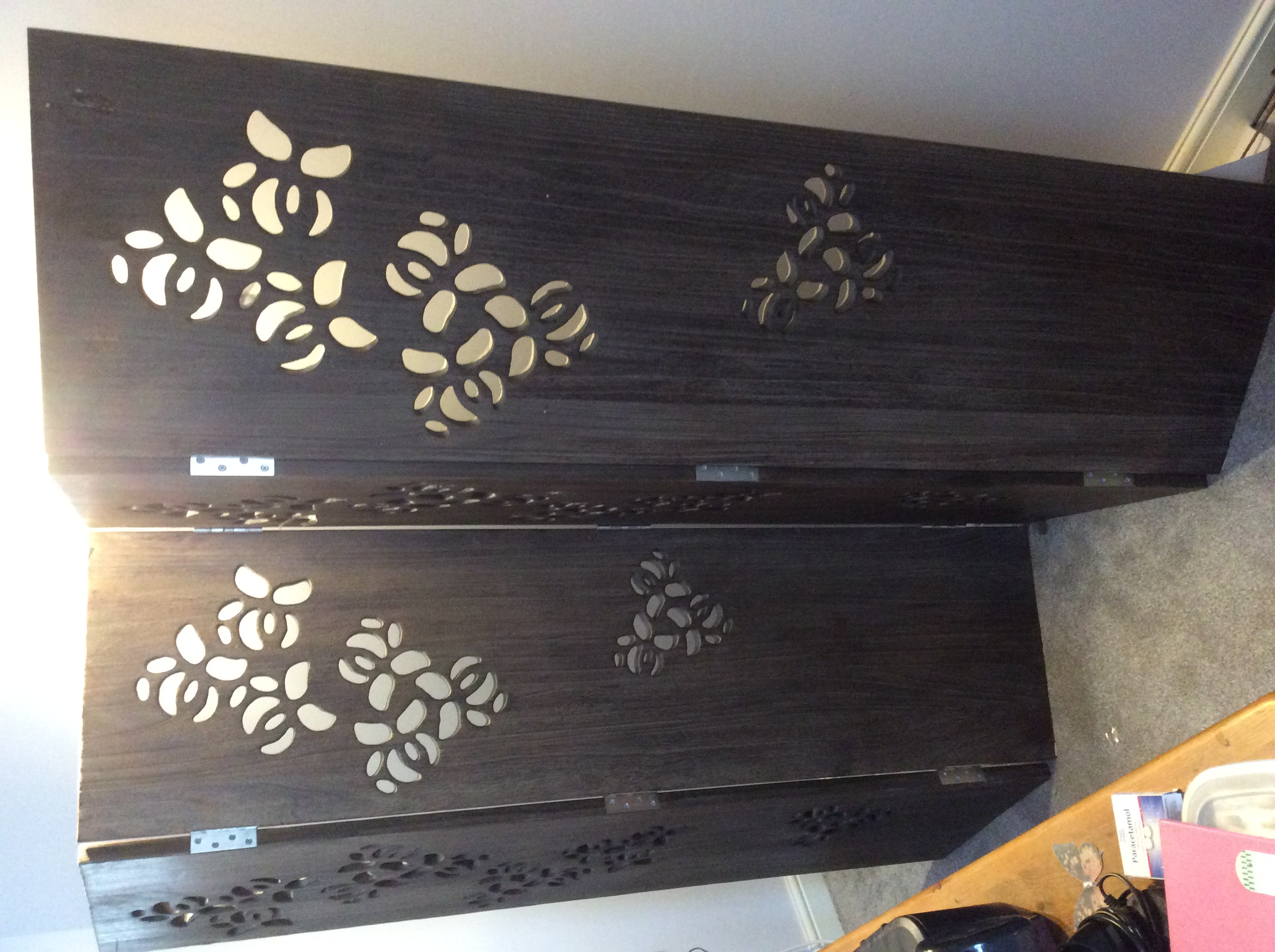 For sale: Wooden folding screen