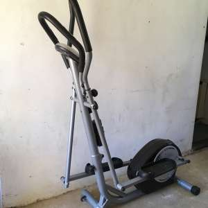For sale: Cross trainer in very good condition (hardly used) - £60
