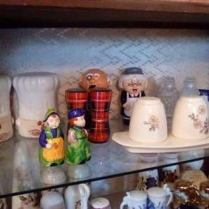 For sale: For sale: Salt and pepper pots