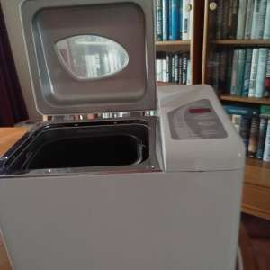 For sale: Bread maker
