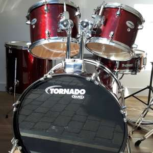 For sale: 7 piece Drum Kit Mapex Tornado Glitter Red - £130