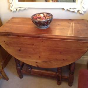 For sale: Folding pine Dining table and 4 Ducal chairs