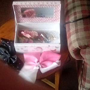 For sale: Girls jewellery box - £5