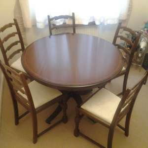 For sale: six chairs,  one round table 42 diam - £50