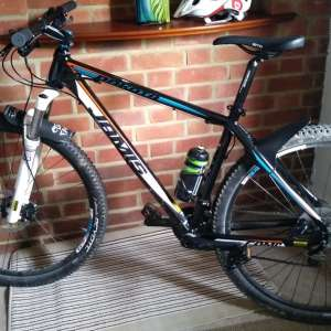 For sale: Jamis Dakota Comp 29er Medium frame (includes £100 helmet) - £275