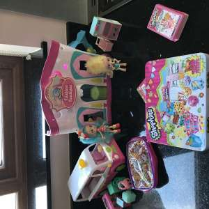 For sale: Shopkins assorted toys - £15