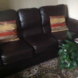 For sale: Three piece lounge suite - £180