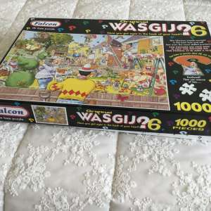 For sale: 1000 piece jigsaw puzzles