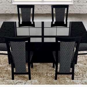For sale: Brand New Stunning Italian High Gloss Extending Dining Table - £550