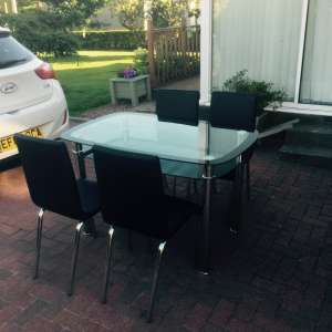 For sale: Table and four chairs